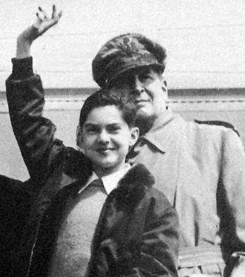Lời cầu nguyện của Tướng Douglas MacArthur cho con trai duy nhất